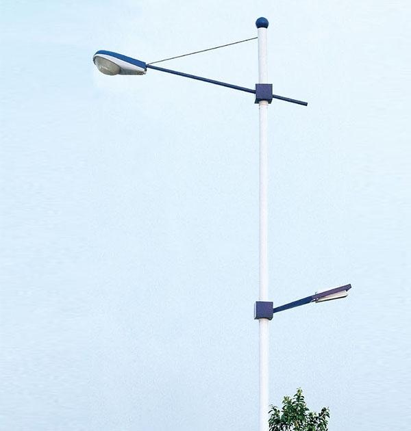 要确定灯具位置,亮化灯具的间距和高低的设置